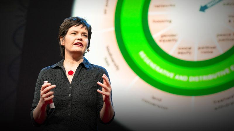 La economista Kate Raworth, creadora del término economía donut o economía rosquilla.